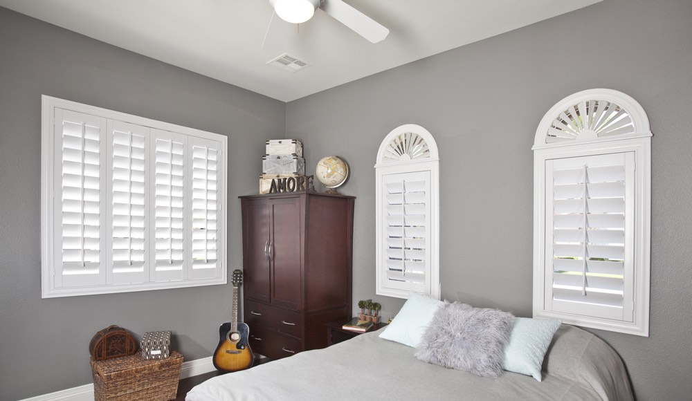 Polywood Shutters In A Orlando Bedroom