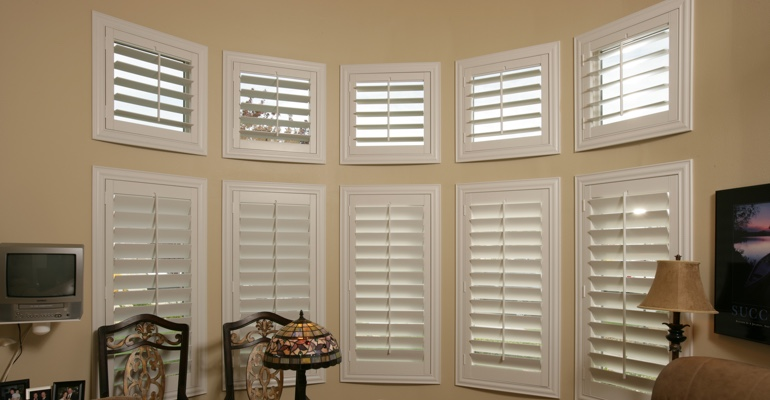Bay window shutters Orlando home office