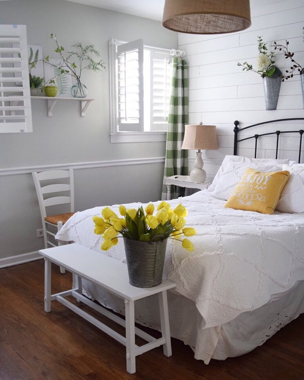 Orlando cottage bedroom shutters